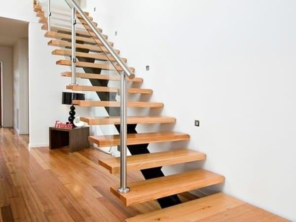 escalera de madera ambiente